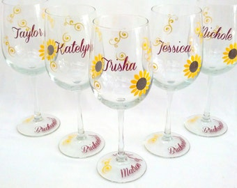 Sunflower wine glass, Bridesmaid wine glasses, fall theme, name and title on the base, 1 glass