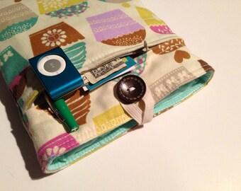 Macbook Pro 13 - Padded BONUS Zippered Front Pocket - Cupcakes