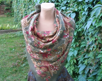 PRETTY WOMEN'S SCARF / Flowers and Pheasants Pattern / Olive / Maroon / Brown