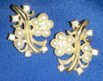 Vintage Faux Pearl and Rhinestone Flower Earrings