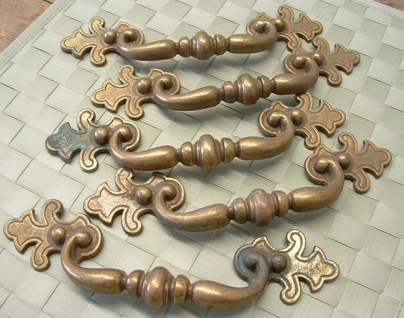 5 Vintage French Provincial Drawer Cabinet Furniture Pull