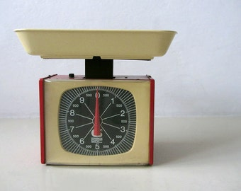 Italian Vintage Kitchen Scale