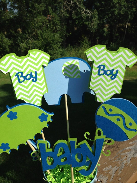 Baby shower table decoration centerpiece it 39 s a boy for Baby clothesline decoration baby shower