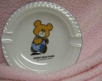 Honey Bear Farm Ashtray Vintage Souvenir Powers Lake WI Vintage Attraction in Wisconsin from 1960s