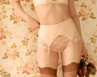 Handmade 1930s Vintage Inspired Peach Garter Belt, Suspender Belt. U.K Sizes 6,8,10,12,14,16