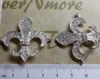 2 pcs per pack 38x34mm Clear Rhinestone Fleur de Lis Link or Connector in Silver lead free Pewter