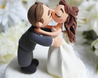Custom Cake Topper- Hugging & Kissing
