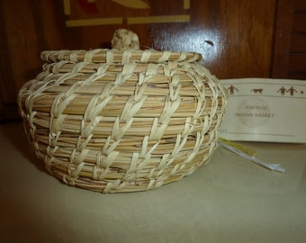Papago basket with lid