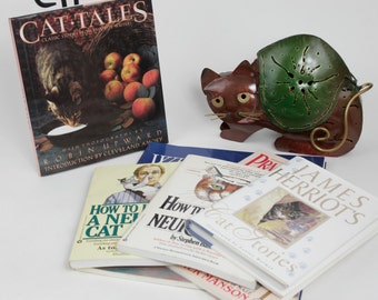 Vintage Instant Mini Collection of Books That Take a Humorous Look At Cats.  Free Cat ring holder with purchase.  7 Books Total.