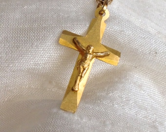 14 kt Gold Crucifix Pendant and Chain Necklace