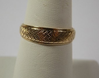 1970s Wedding Ring Band Yellow Gold 3.1gm Size 9.75 Matching Ladies set also listed 6.1mmWide