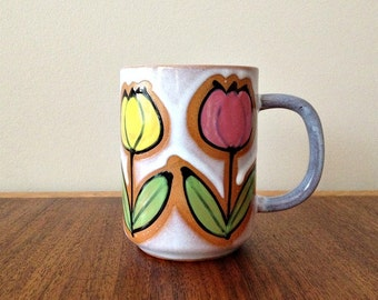 Retro Coffee Mug Vintage Pottery Coffee Cup with Mod Flowers
