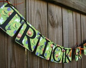 Trick Or Treat Halloween Banner, Fall Banner, Halloween Decor, Halloween Party, Fall Home Decor