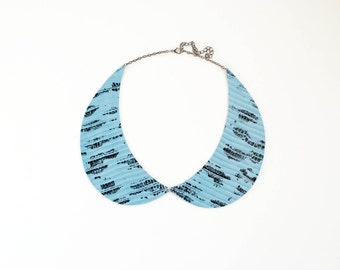 Peter Pan collar necklace in blue laquered printed leather, leather necklace, blue and black, col claudine, spring trends, gift for her