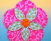 Quilted Potholder Pattern, Flower Potholder, Quilted Hotpad, Flower Hotpad, Fabric Flower, Flower Trivet, Folded Fabric Potholder