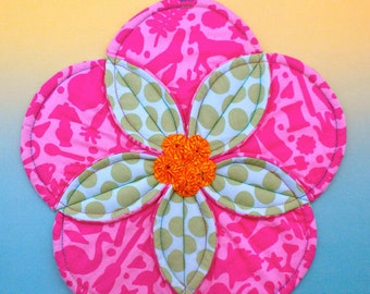 Quilted Potholder Pattern, Flower Potholder, Quilted Hotpad, Flower Hotpad, Fabric Flower, Flower Trivet, Folded Fabric Potholder
