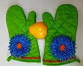 Lime Green Oven Mitt Set, Insulated Hot Pad, Wild Crow Farm Farmhouse Kitchen, Lime Tequila Sunrise