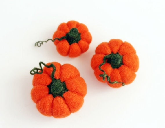 Halloween felt pumpkins.Thanksgiving Orange pumpkin decoration. Set of 3 wool Waldorf pumpkin. Fall Decor Neon Orange Felt. Wool Pincushion.