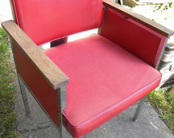 fantastic clean retro INDUSTRIAL RETRO mid century knoll era chrome RED vinyl office desk chair ----- pick up only