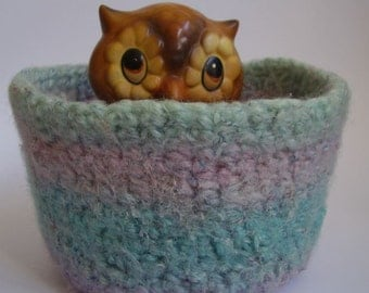 felted wool bowl container desk organizer jewelry holder striped mint lavender turquoise Dreamsicle