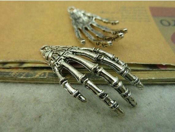 10 pcs 42x19mm antique silver skulls skeletons hands bones charms pendants fc91974
