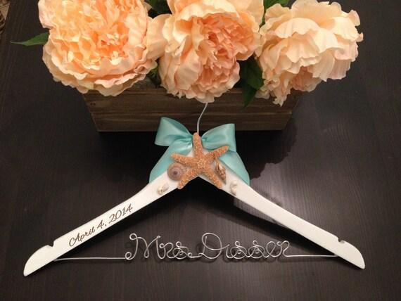 Beach Wedding Hanger / Bridal Hanger / Starfish Hanger / Beach Wedding / Seashell Hanger / Rustic Beach Wedding / Personalized Hanger