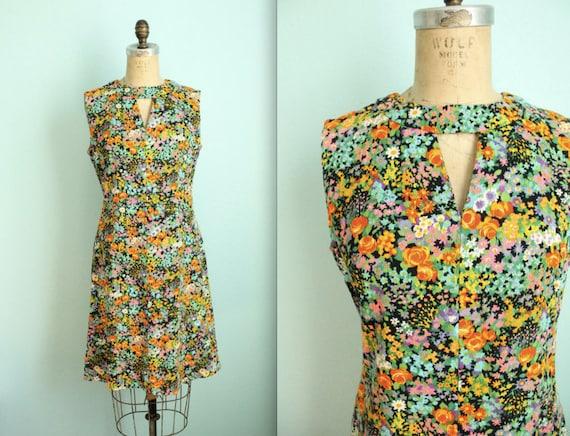vintage flower power mod dress // size medium to large