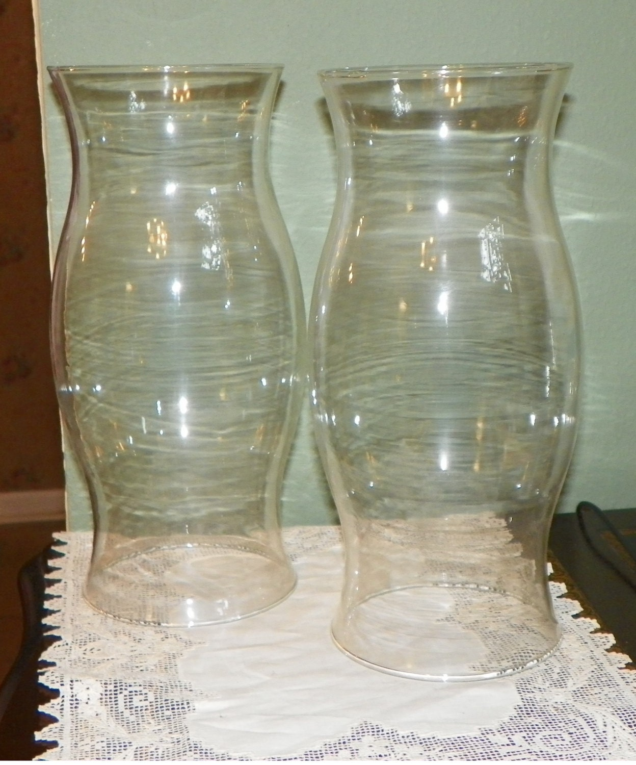 2 large hurricane shades globes glass oil lamp lantern glass. Black Bedroom Furniture Sets. Home Design Ideas