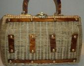 Vintage Straw Handbag Purse, Summertime Woven Straw Handbag Purse with Amber Colored Plastic Handles  in Mid Century Modern Style