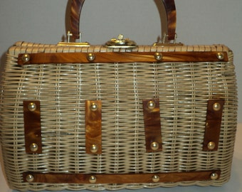 Vintage Straw Handbag Purse, Summertime Woven Straw Handbag Purse with Amber Colored Plastic Handles  in Mid Century Modern Style