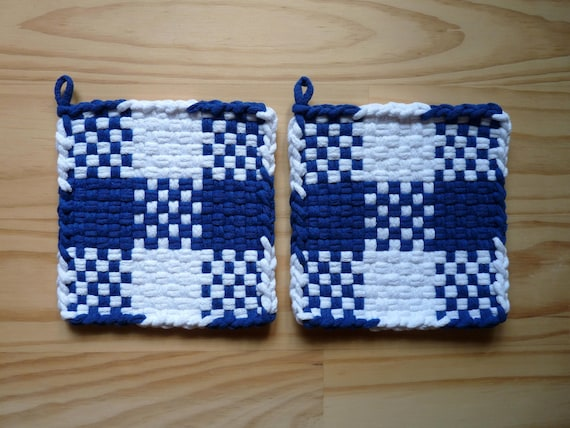 Blue and White Checkerboard Color Block Pair of Woven Cotton Vintage Style Loop Loom Potholder Farmhouse Kitchen Farm Rustic Cabin