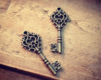 Fancy Skeleton Key Charms, Antique Bronze, Small Victorian Key, Vintage Jewelry Supplies (BC070)