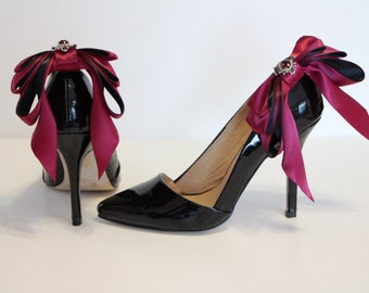 Bow Shoes clips -  burgundy / black Bow shoe clips - triple bow shoe clips