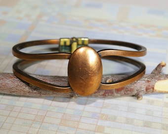 Vintage Copper Clamper Bracelet - Elegant and Stylish Modernist Design - 1950s