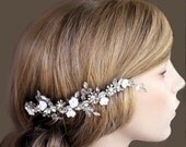 6  inches long Veil Comb, Bridal comb, Crystal, Wedding Accessory, Bridal hair comb, Tiara, Swarovski, white flowers , roses
