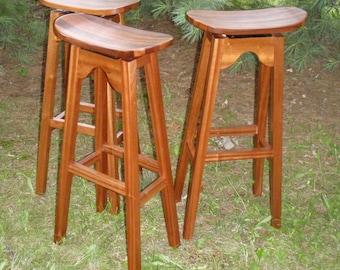 Outdoor stools in Mahogany