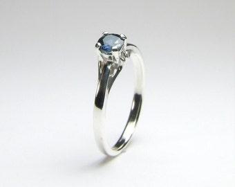 Cornflower Blue Sapphire (Genuine), 4.4mm x 0.40 Carat Round Cut, Sterling Silver Ring