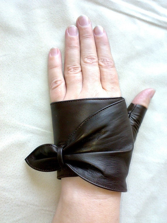 Fingerless leather gloves for women 9247. by glovesmasters ...