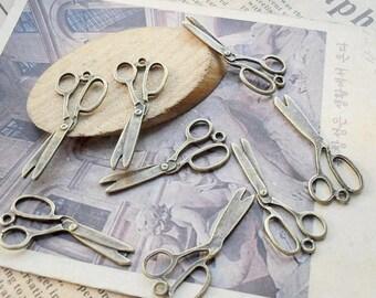 50PCS antique bronze 15x30mm scissors charm pendant- WC642