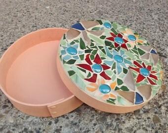 Round Mosaic Flower Keepsake Box, Stained Glass Box, Flower Trinket Box, Jewelry Box, Mosaic Hope Box, Treasure Box, Round Bentwood Box