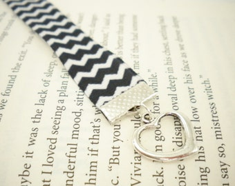 Black and White Chevron Ribbon Bookmark with Heart Charm / Gifts for Readers / Gifts under 10