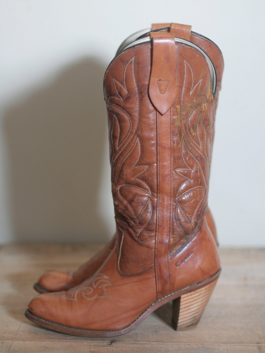 vintage women's high heel leather cowboy boots size 7 by