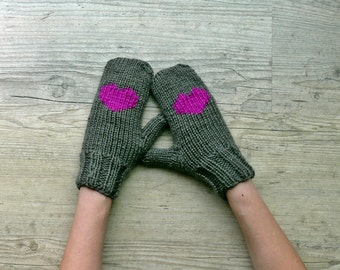 gray winter gloves with purple heart