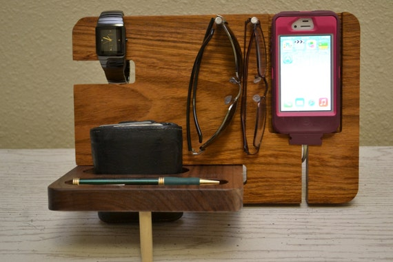 Etsy の iPhone Dock iPhone Stand by MasterWorks888