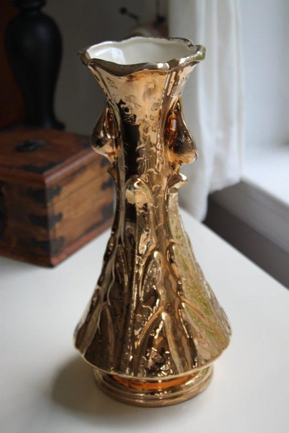 vintage savoy china 24 karat gold vase. Black Bedroom Furniture Sets. Home Design Ideas