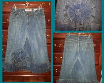 Ruffled Jean Skirt with a detachable flower