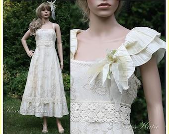 Bohemian 1970-style A-line Wedding Dress with Taffeta Collar - Michelle