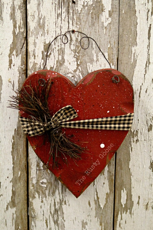 Valentine decor primitive wood heart barn red rustic decor for Wooden heart wall decor