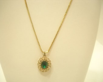 EMERALD GREEN RHINESTONE Pendant Necklace (0259) Great for Christmas