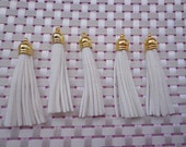 20 Pieces 60mm White   Suede Leather Tassel With Gold Color Plastic Cap